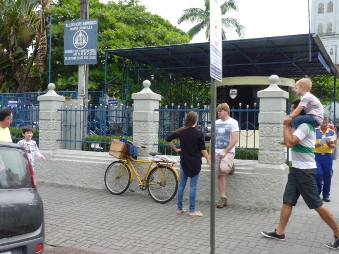 Calmaria de uma manhã de sexta-feira em Joinville.